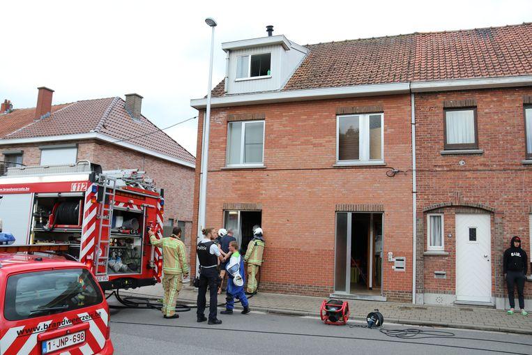 De keuken liep schade op, en in de woning hing er een tijdje rook.