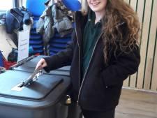 Puttense Kim (18) stemt voor het  eerst: 'Nu ben ik echt volwassen'