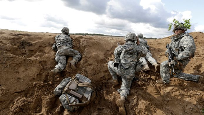 Amerikaanse paratroepen tijdens een oefening in Litouwen.
