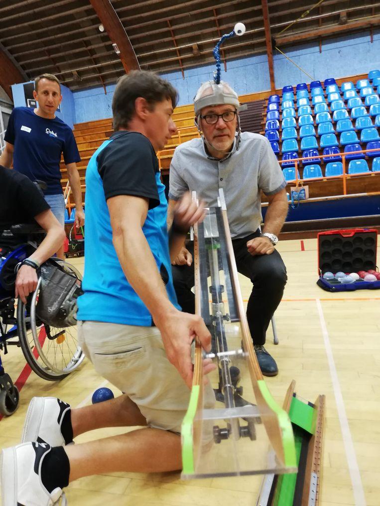 Tijdens de FUNday namen zo'n dertig personen met een beperking deel. Schepen van sport Bart Plasschaert (CD&V) en ambassadeur Hannelore Vens waren van de partij.