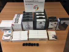 Roemenen gearresteerd bij De Lutte met auto vol elektronica