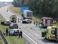 Ravage en 6 gewonden bij ongeluk op A1 bij Bathmen