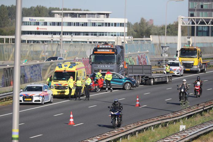 Twee rijstroken van de A12 richting Utrecht zijn afgesloten