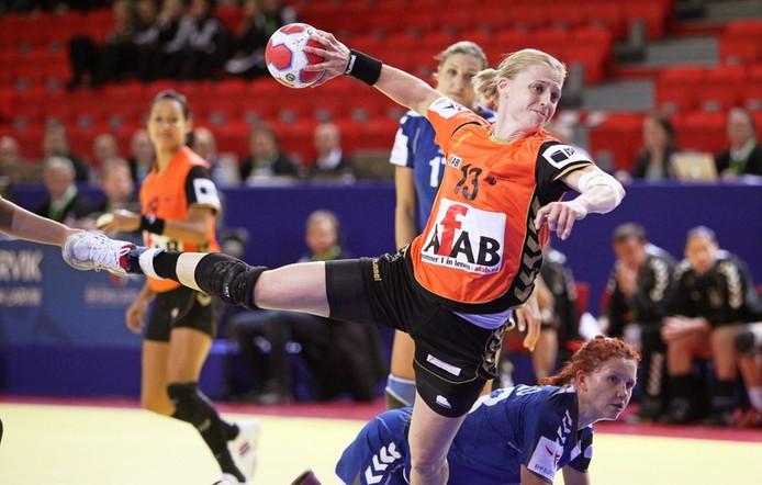 Joyce Hilster in actie voor Oranje. FOTO EPA