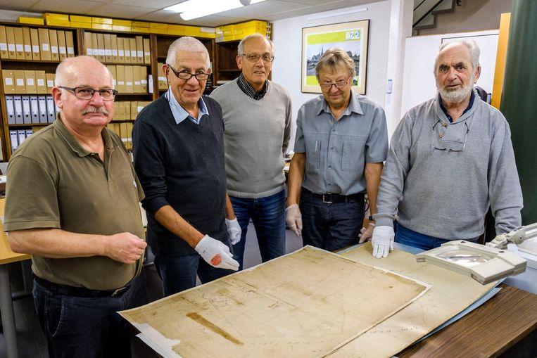 Walter Janssen, Leo Niewold, Frans Neyens, Liebrecht Schaltin en Paul Janssen van het DocC van Borsbeek.