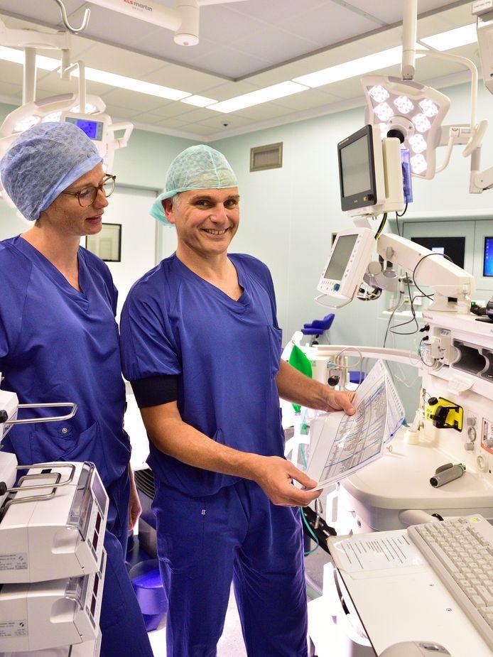 Chirurg Roderick Schmitz wil graag rolmodel zijn voor zijn