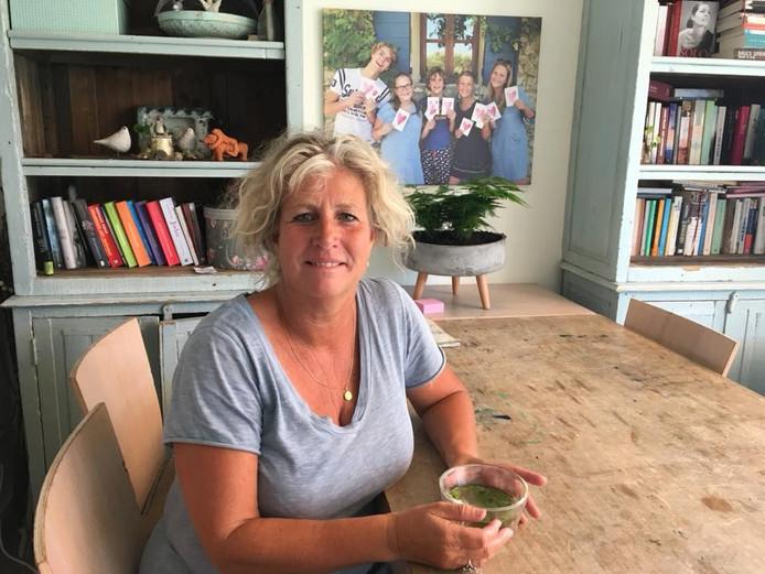 Nicole Swaans is moeder van vijf kinderen, waarvan er twee eindexamen doen.