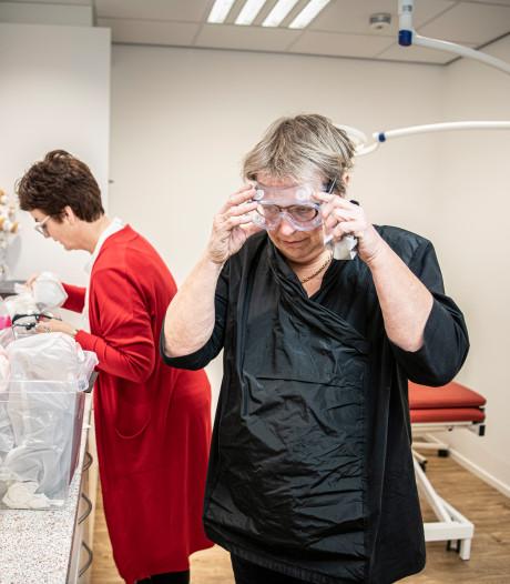 Hoe deze coronanoodpraktijk in Tilburg hulp biedt: dagboek van een huisarts