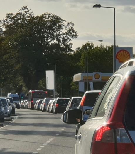 Verkeerschaos in Enschede na ongeluk bij Volkspark