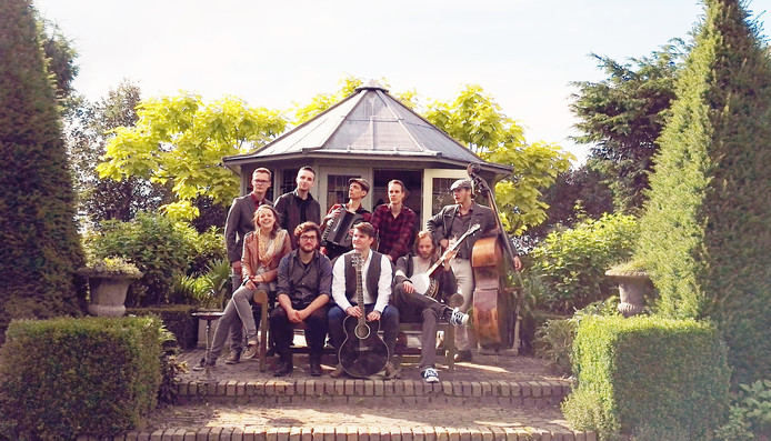 Jeroen Hack van Mumfords Calling nam in 2017 het initiatief voor een nieuw folkfestival in het Vrouwenhofpark. Zijn band is zaterdag de afsluiter.