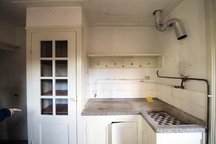 Nijmeegse woning bleef 85 jaar hetzelfde foto 39 s nijmegen - Oude foto keuken ...
