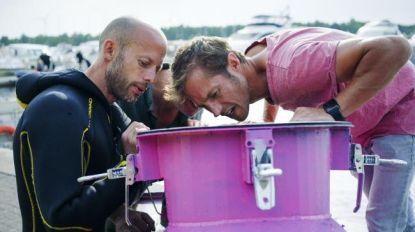 Staf en Mathias Coppens gaan kopje onder in zelfgemaakte duikboot