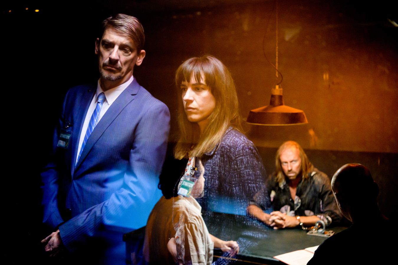 De Infiltrant ; seizoen 1 vanaf maandag 5 februari 2018 bij VTM. Op de foto : Peter Van Den Begin (Marc Potvin) en Natali Broods (Karen Hofman).