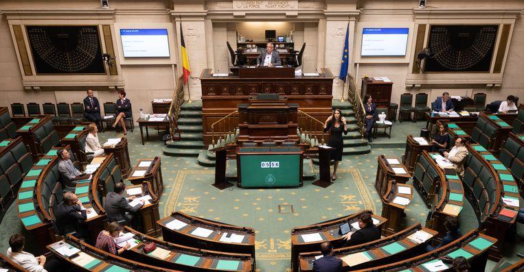 Donderdag zou de nieuwe abortuswet in de plenaire Kamer worden gestemd. Volgens Groen-Kamerlid Stefaan Van Hecke zullen niet alle groenen voor stemmen.