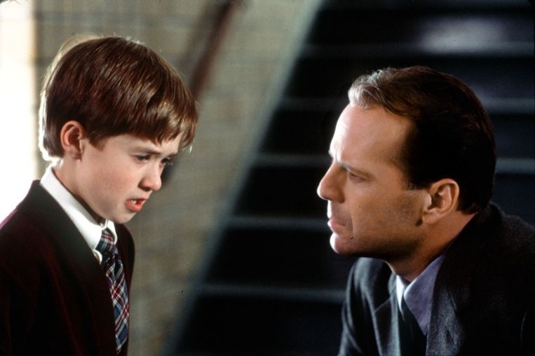 Haley Joel Osment en Bruce Willis in The Sixth Sense (M. Night Shyamalan, 1999). Beeld