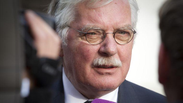 Burgemeester Cees van der Knaap stelde dinsdag voor het komende half jaar een samenscholingsverbod in voor de wijk Veldhuizen. Beeld anp