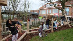 De Zonnebloem en VBS St.-Tillo St. Jozef krijgen Vlaamse centen om speelplaats avontuurlijker te maken