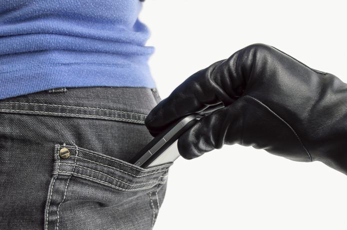 Met een nieuwe techniek zouden mobieltjes niet meer door zakkenrollers gestolen kunnen worden.