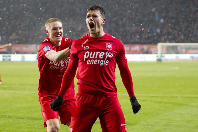 De spits van FC Twente in extase na de late gelijkmaker tegen Ajax (3-3).