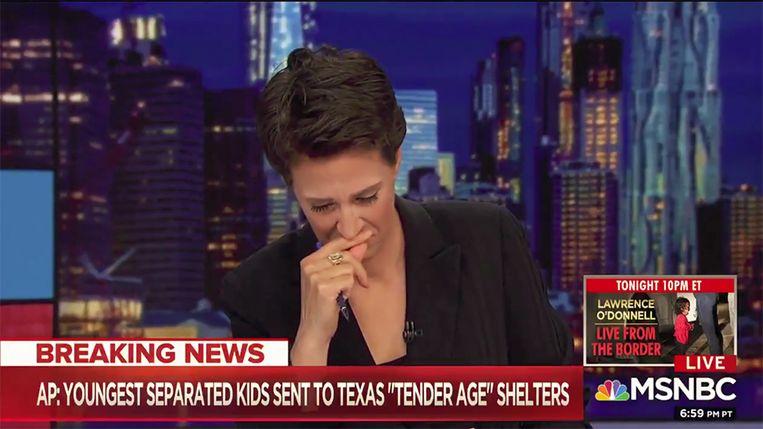 Rachel Maddow verbijt de tranen.