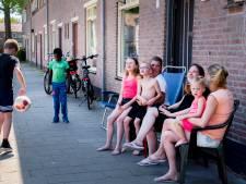 Volksbuurt snapt plan boetes voor bbq en zwembadje op straat niet: 'Hier zeggen mensen nog wél hallo'