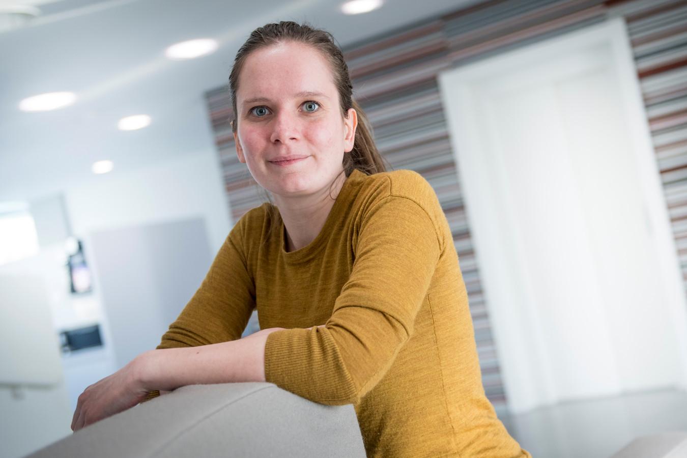 """Hilde Hamer vindt het een goed idee dat IT-bedrijven collegegeld van studenten vergoeden als die bij hen komen werken. """"Dit gaat vast helpen.''"""