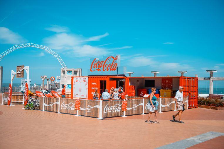 De beach bar van Coca Cola in Blankenberge.