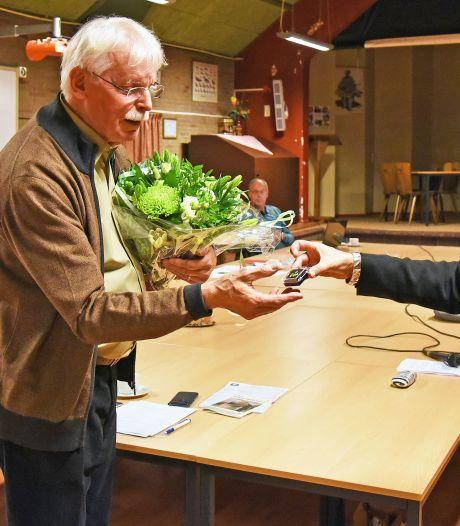 Nico Peterse stopt bij herdenkingscomité Oostburg, 'juist nu stilstaan bij leven in vrede en veiligheid'