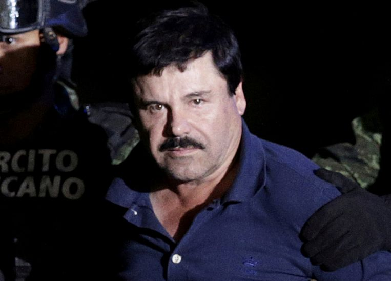 El Chapo tijdens zijn arrestatie na zijn ontsnapping in 2016. Beeld REUTERS