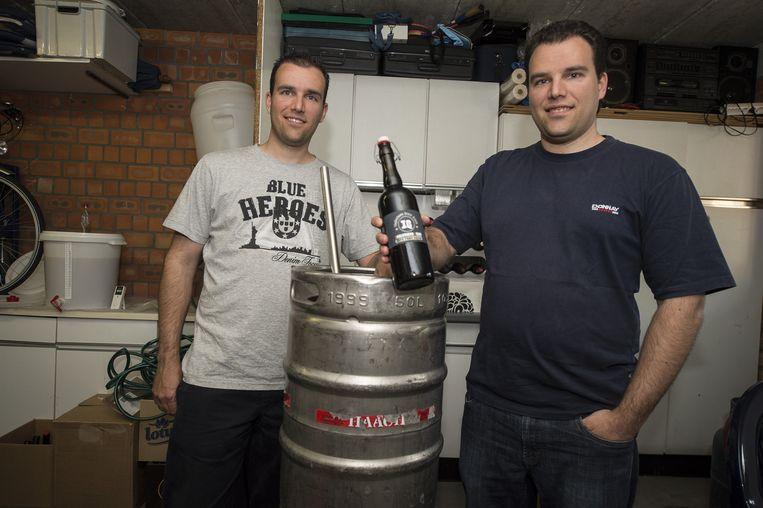 Benny en Erwin Van Aerschot met het winnende bier.