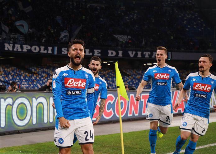 Lorenzo Insigne viert de 1-0 namens Napoli.