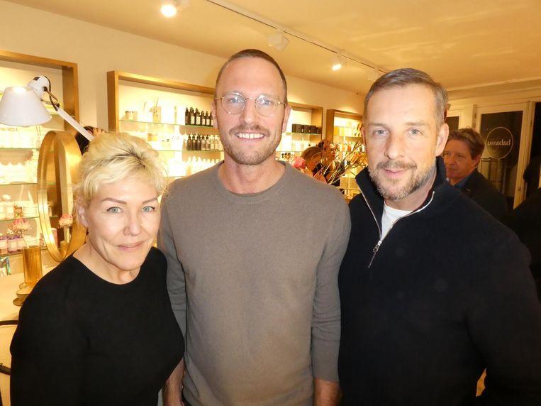 Beautyfreelancer Sylvia Platjouw, Rick van het Meer (buurman met kapsalon) en modeontwerper Antois Kiestra. Van het Meer: