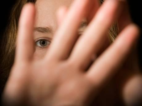 'Stomdronken' Maldenaar (31) randde drie jonge vrouwen in een uur aan: 120 uur werkstraf