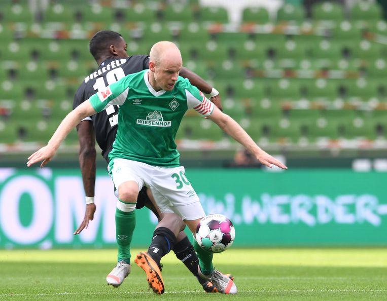 Davy Klaassen aan de bal in de wedstrijd tussen Werder Bremen and Arminia Bielefeld. Beeld Carmen Jaspersen/dpa
