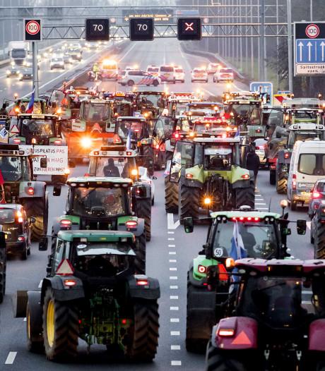 Boeren morgen massaal naar Den Haag: zorgen 6000 trekkers voor nieuw filerecord?