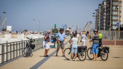 """Kustburgemeesters merken vlotte dag zonder stormloop: """"Mensen moeten een uur van het strand kunnen genieten"""""""