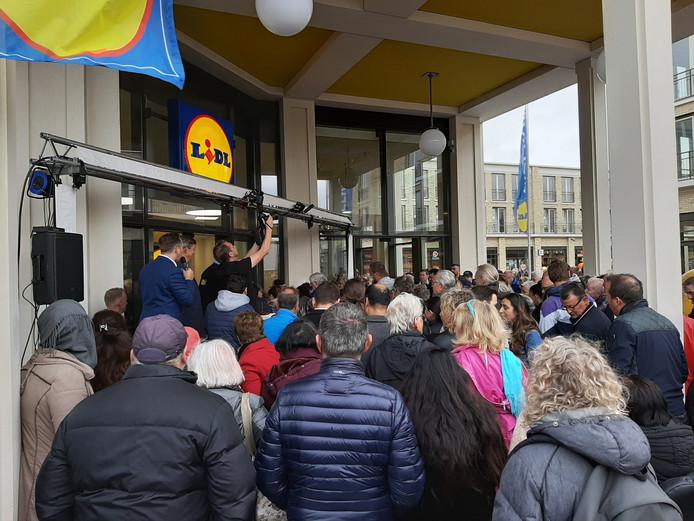 Opening winkelcentrum Anklaar.