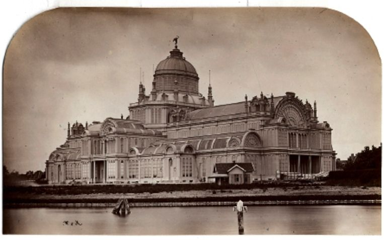 1864: Paleis voor Volksvlijt. (FOTO WEGNER & MOTTU) Beeld