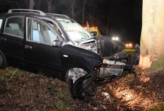 De auto liep veel schade op