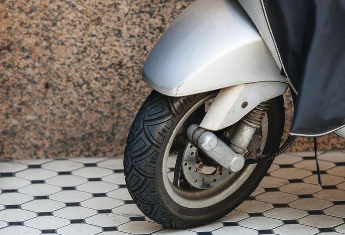 Scooterrijder gewond bij ongeval in Ermelo.