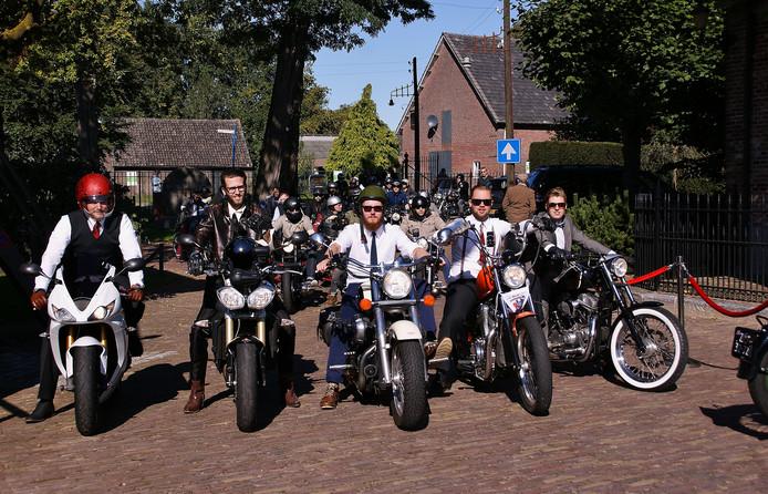 Deelnemers aan de Distinguished Gentleman's Ride in 2015.