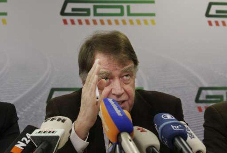 GDL-voorzitter Manfred Schell spreekt klare taal op de persconferentie