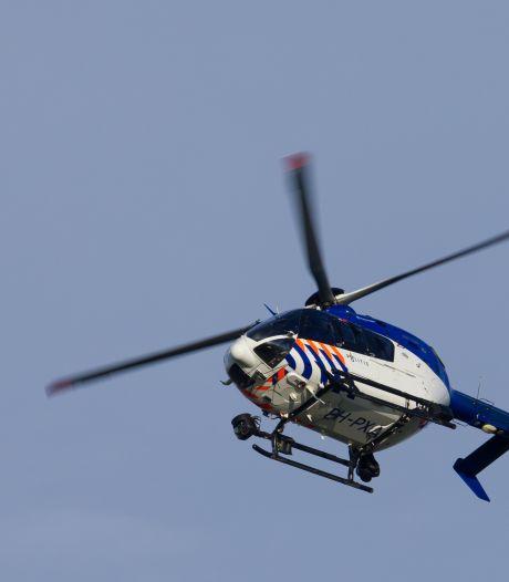 Politie op zoek naar ontsnapte jeugdgevangene (21): 'Met helikopters en honden de wijk uitgekamd'