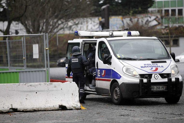 Agenten in Crépy-en-Valois. Beeld epa