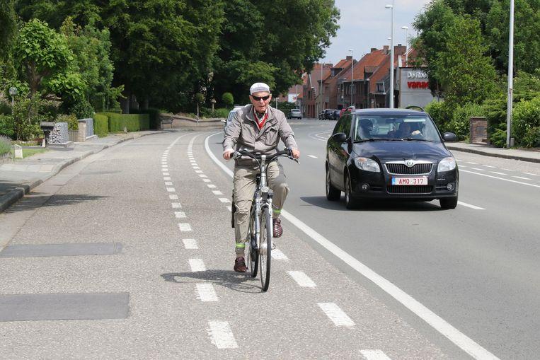 De Poperingseweg krijgt tussen Vlamertinge en Poperinge voorlopig geen gescheiden fietspad.