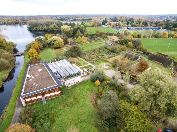 Duurzaamheidscomplex De Kaardebol in Zutphen vanuit de lucht gezien. Foto Persbureau Hissink.
