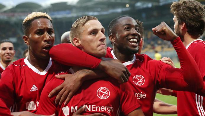 Vreugde bij de spelers van Almere City.