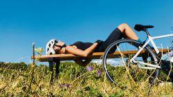 """Wielrennen is populair bij vrouwen, redactrice Anke probeert uit: """"De liefde moet nog wat groeien, maar hier zit wel iets in"""""""