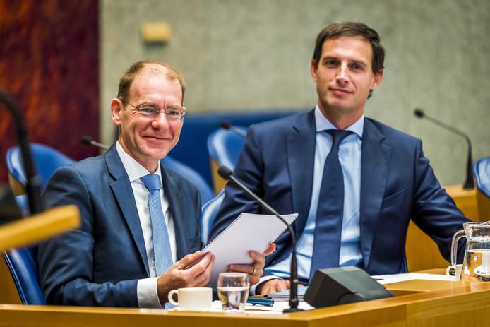 Minister Wopke Hoekstra (r) en staatssecretaris Menno Snel hebben de oproep namens Nederland ondertekend.