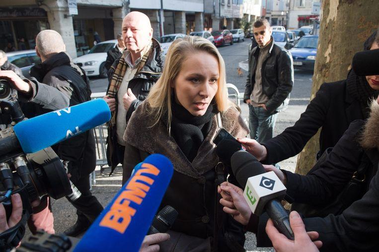 Marion Maréchal-Le Pen praat met journalisten. Beeld epa